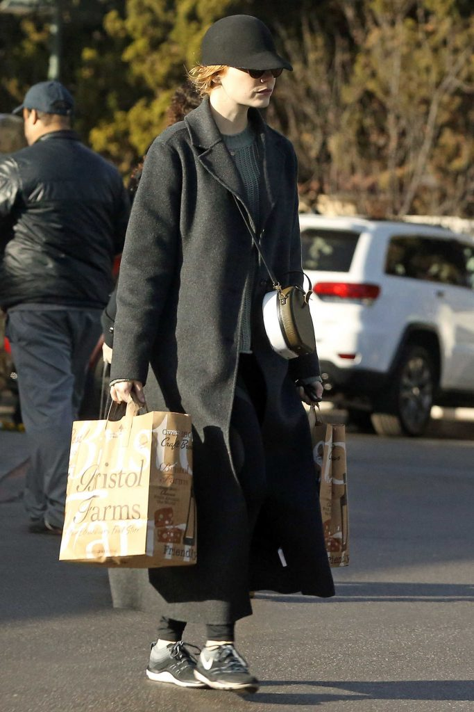 Emma Stone Goes Grocery Shopping in Beverly Hills-3
