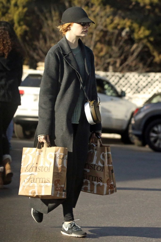 Emma Stone Goes Grocery Shopping in Beverly Hills-4