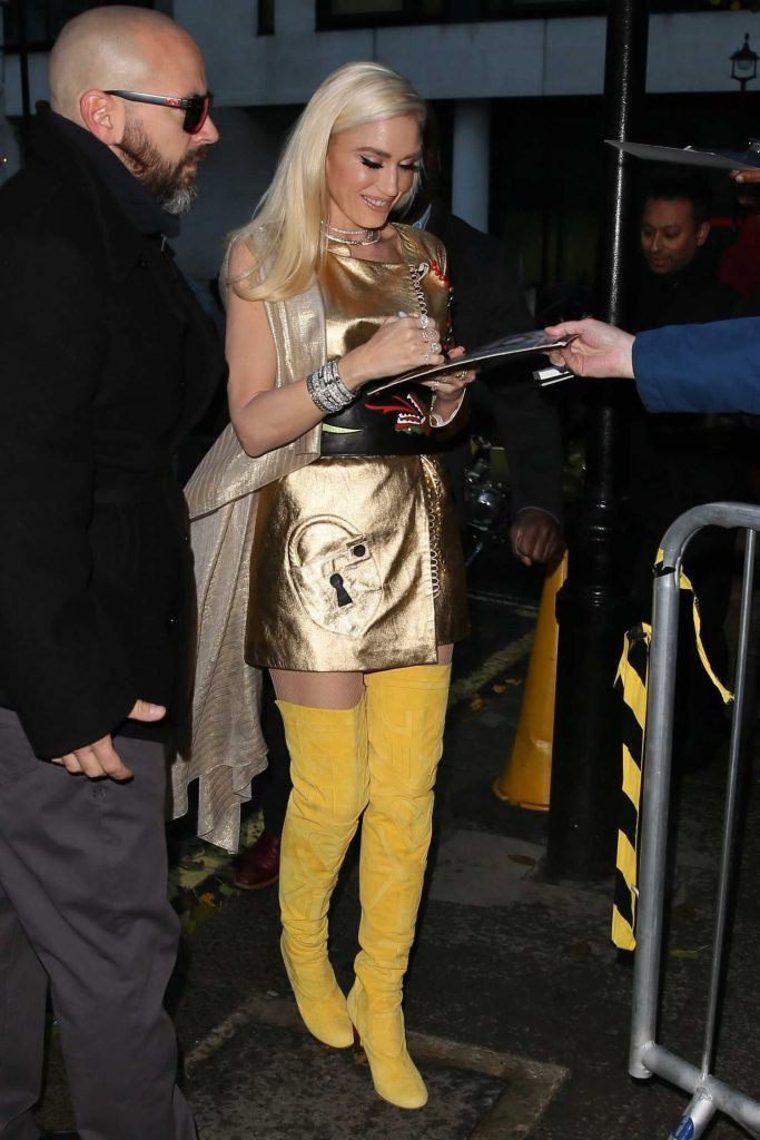 Gwen Stefani Arrives at BBC Radio 2 Studios in London-3