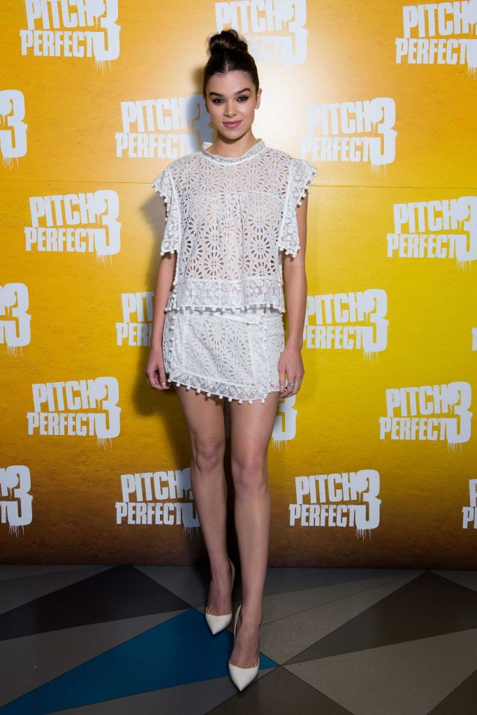 Hailee Steinfeld at the Pitch Perfect 3 Special Screening in London-1