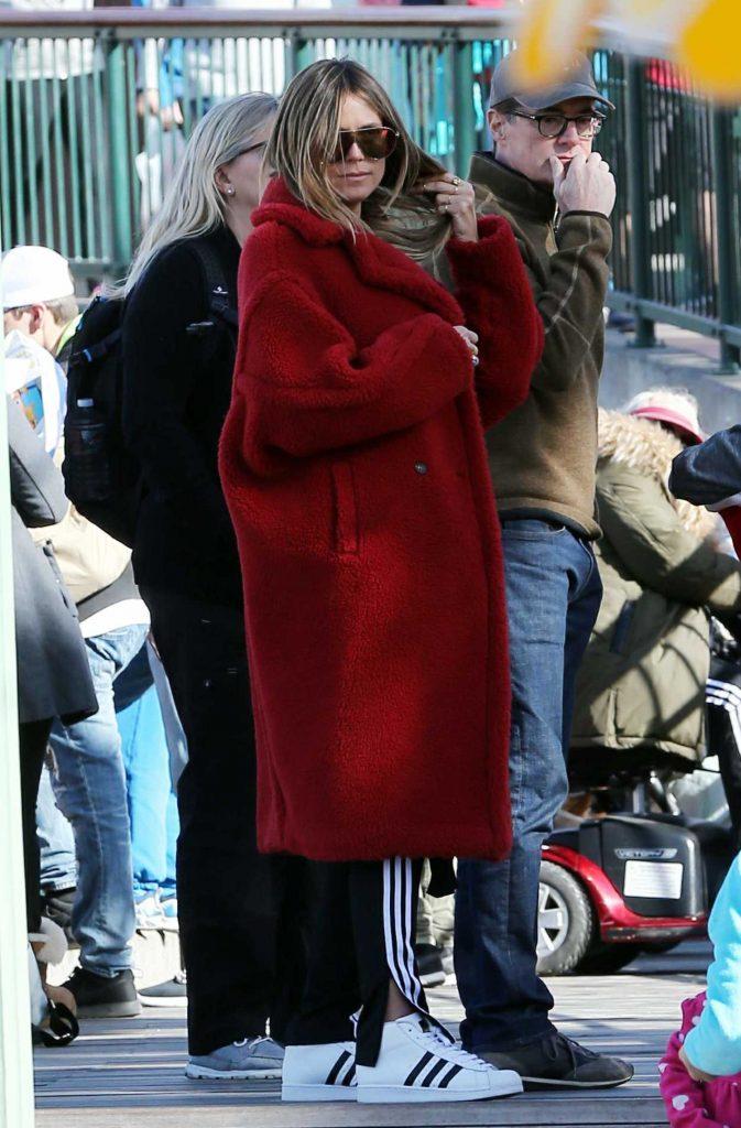 Heidi Klum Arrives to Disneyland in Anaheim-1