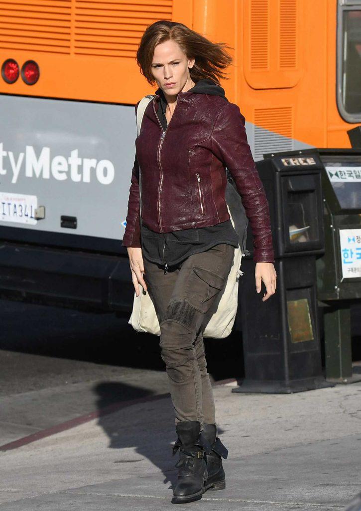 Jennifer Garner on the Set of Peppermint in Los Angeles-1