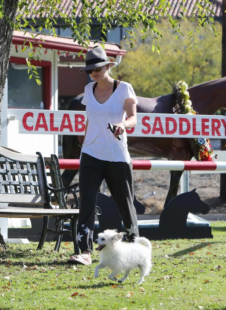Kaley Cuoco Goes to Calabasas Saddlery in Los Angeles-4