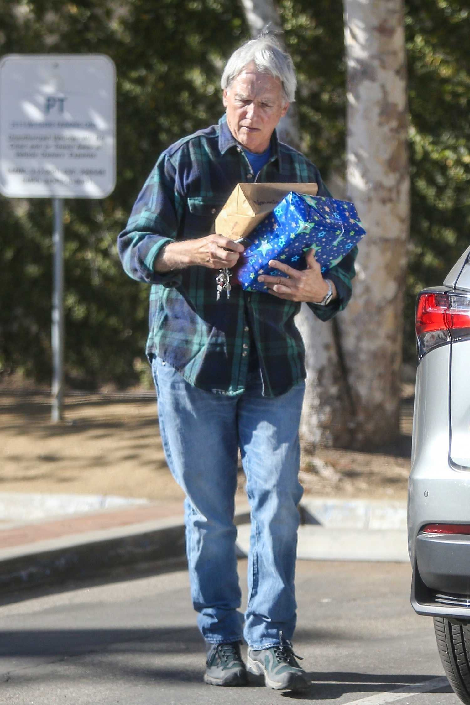 Mark Harmon Heads to the Post Office in Los Angeles ...