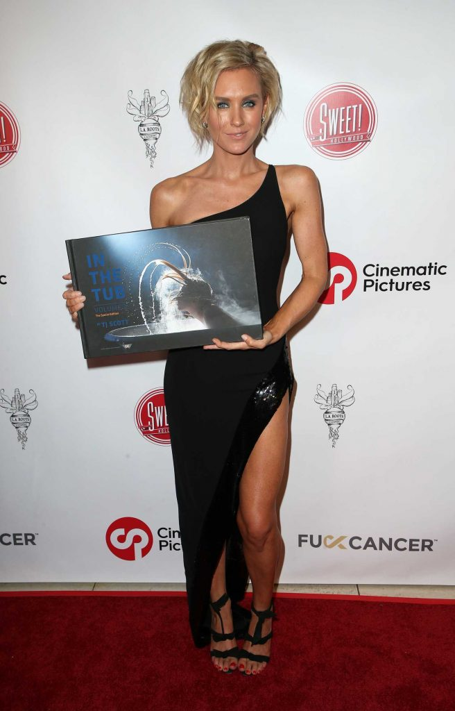 Nicky Whelan at TJ Scott Book Launch at Cinematic Pictures Group Gallery in Hollywood-2