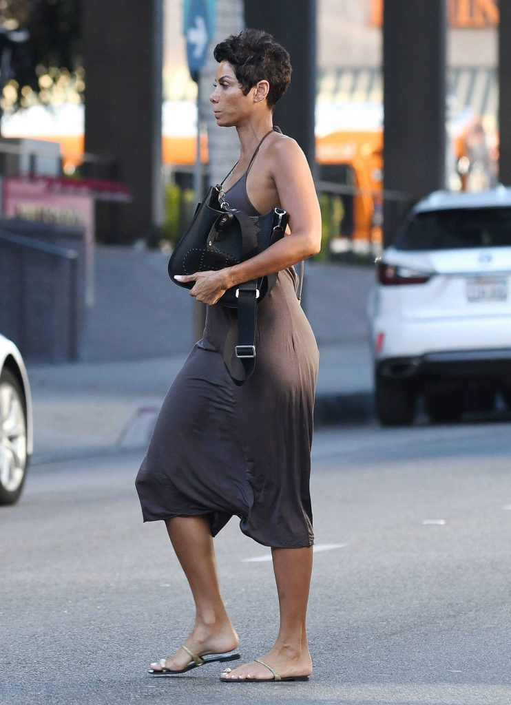 Nicole Murphy Was Spotted Out in Beverly Hills-2