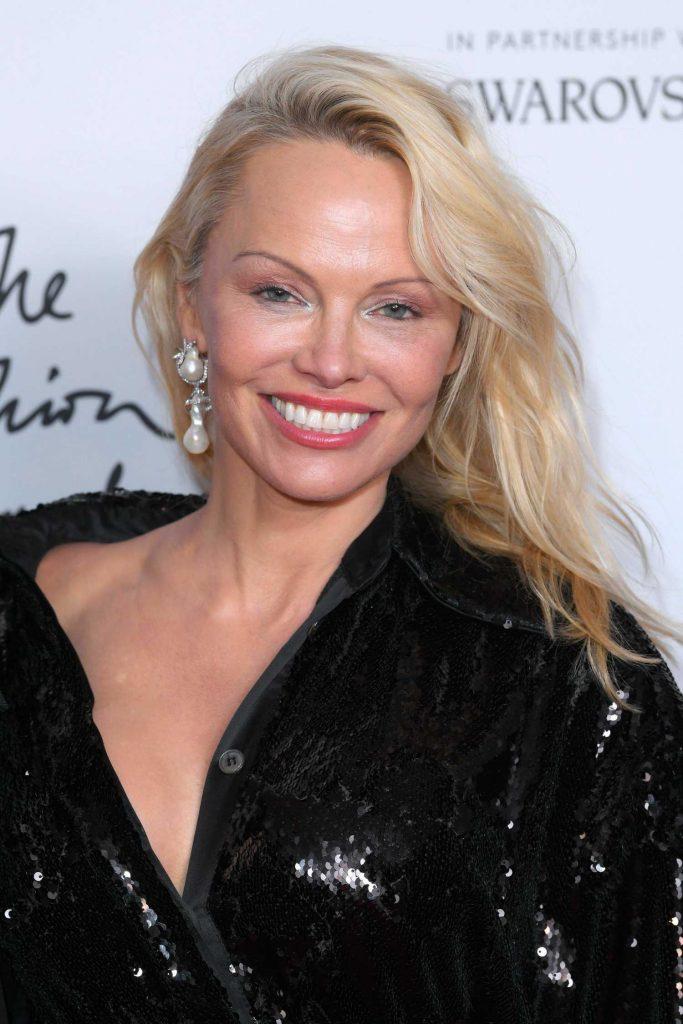 Pamela Anderson at 2017 British Fashion Awards at the Royal Albert Hall in London-5