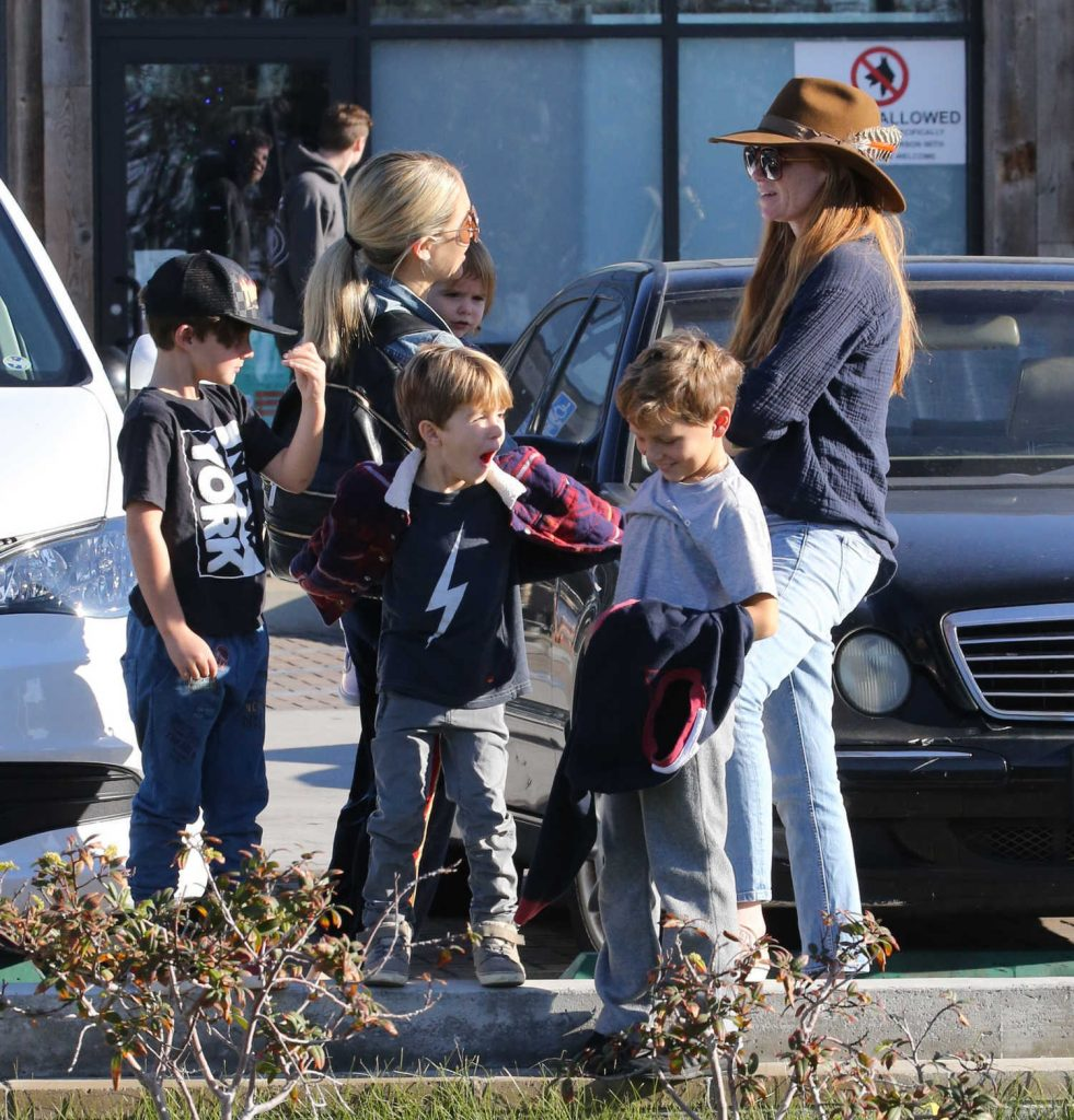 Patsy Palmer Was Spotted with Her Husband and Son in Malibu-5