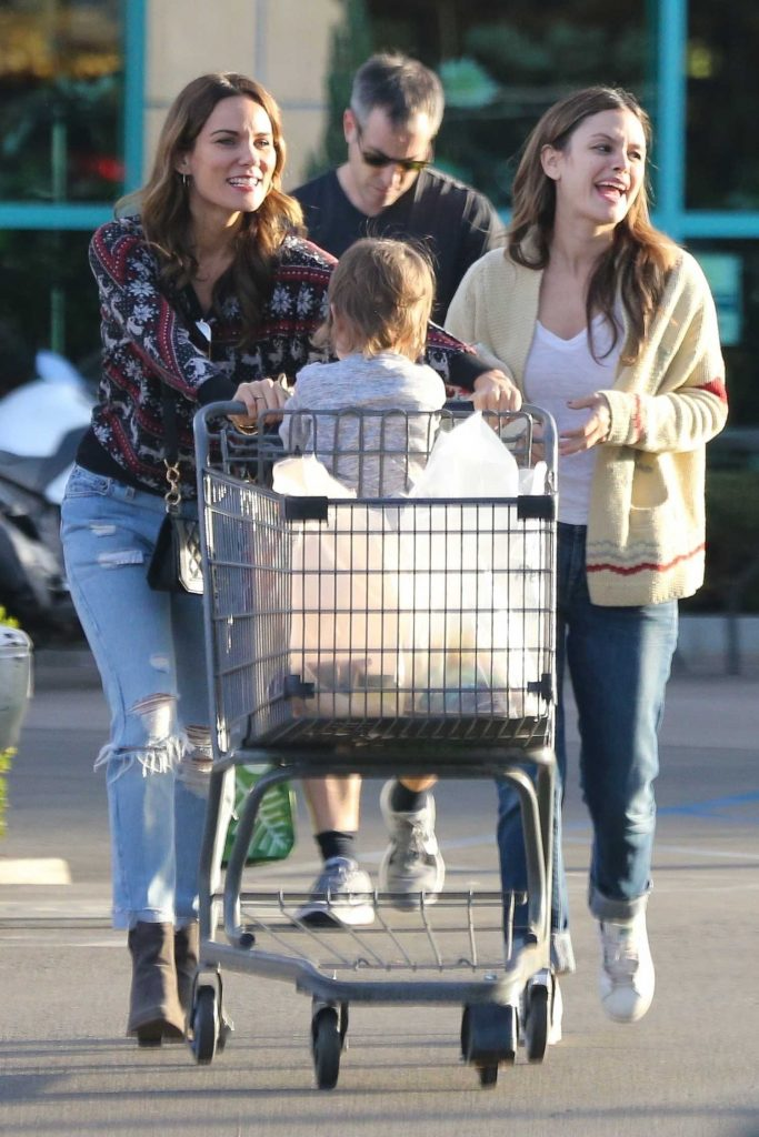 Rachel Bilson Goes Shopping for a Christmas Tree in Toluca Lake-5