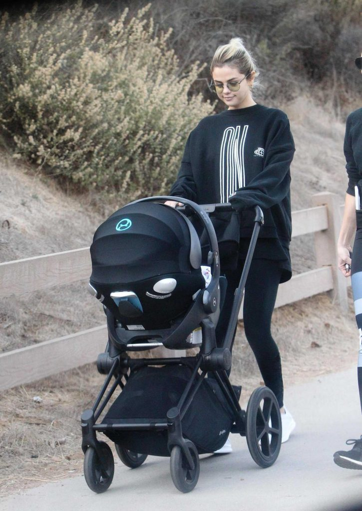 Selena Gomez Out with a Friend and Her Baby Hiking in Los Angeles-1