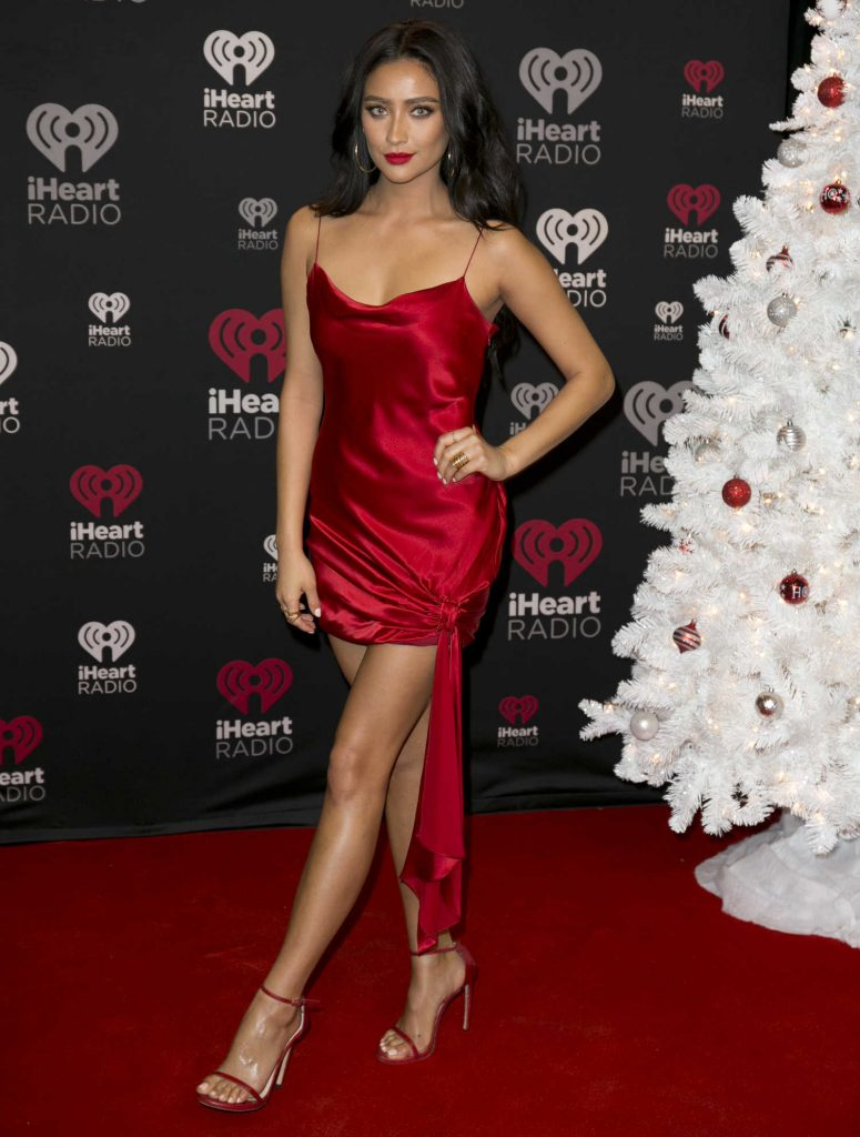 Shay Mitchell at iHeart Jingle Ball North Red Carpet in Toronto-1