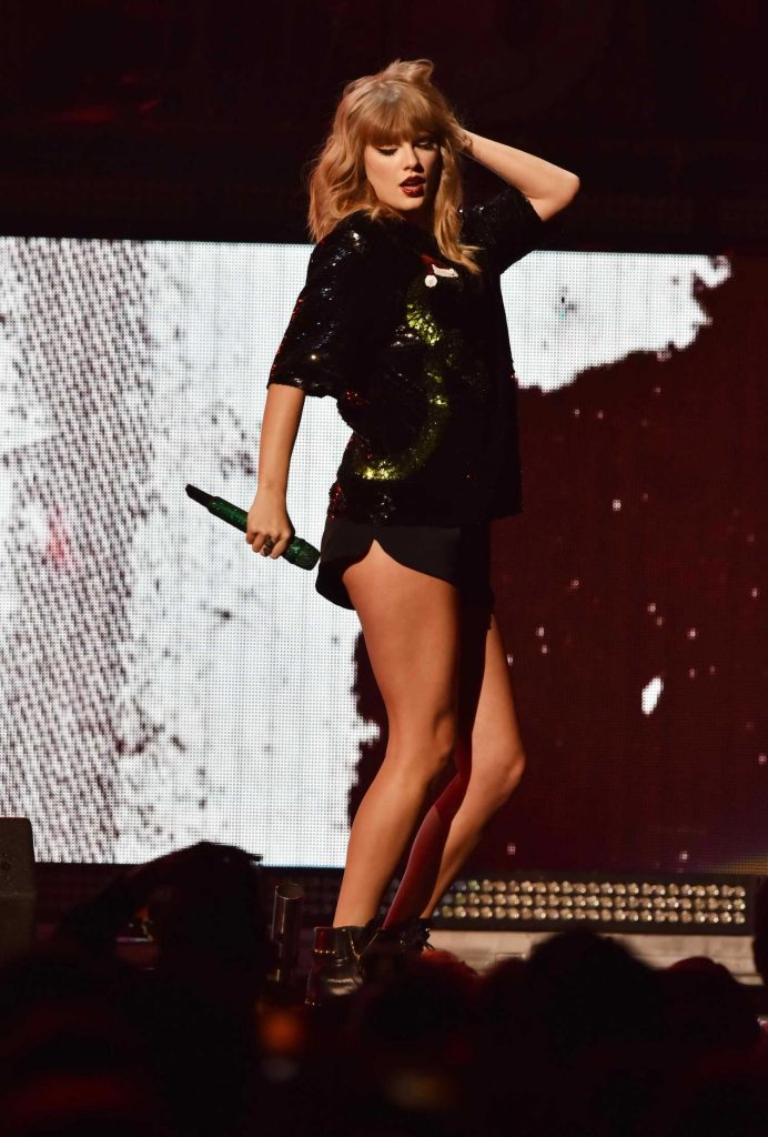 Taylor Swift Performs at Z100's Jingle Ball by Capital One at Madison Square Garden in New York City-4