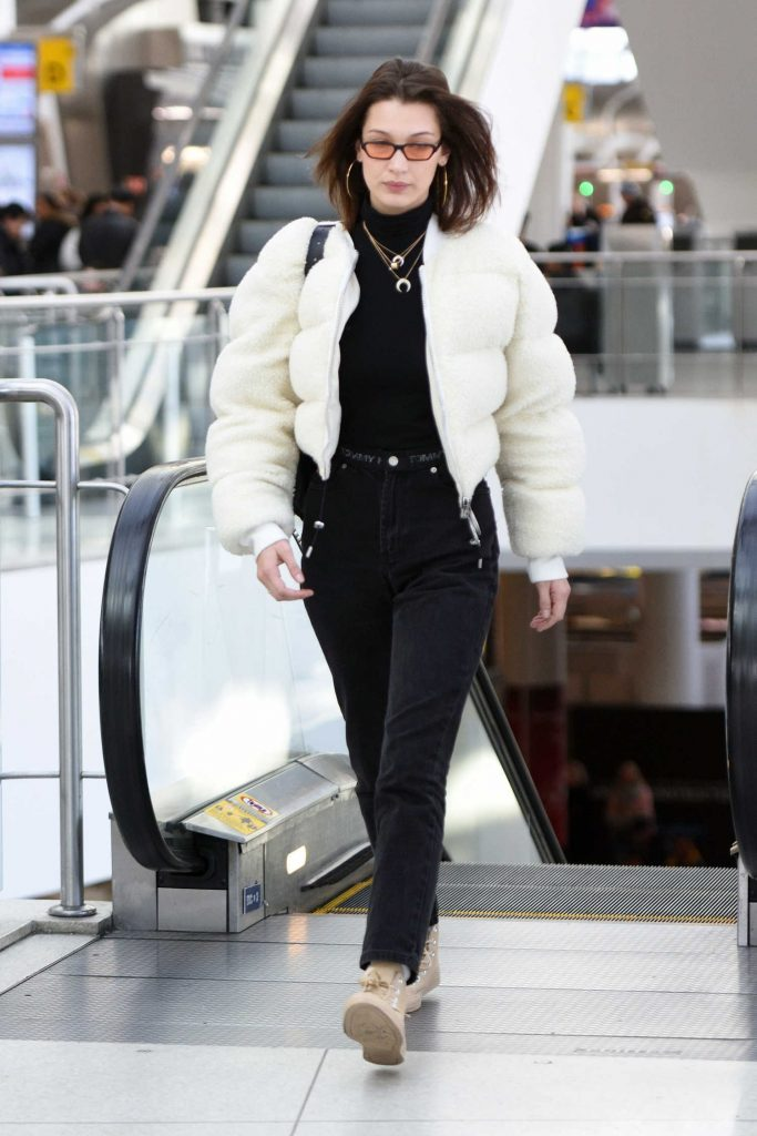 Bella Hadid Arrives at JFK Airport in New York City-3