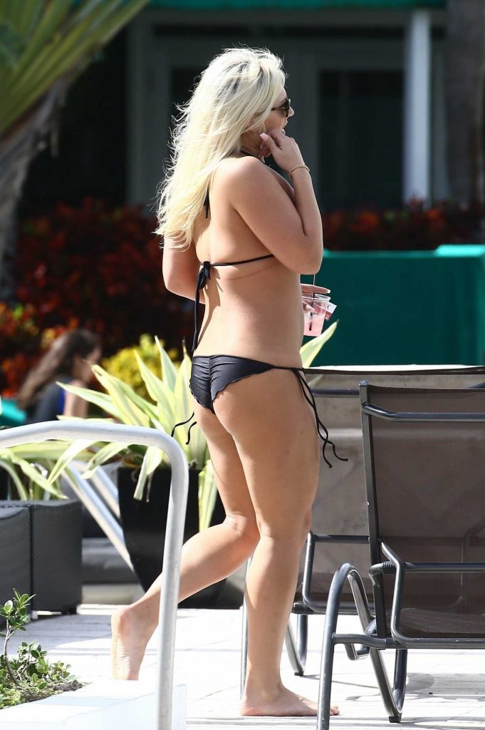Brooke Hogan in Bikini in Miami-4