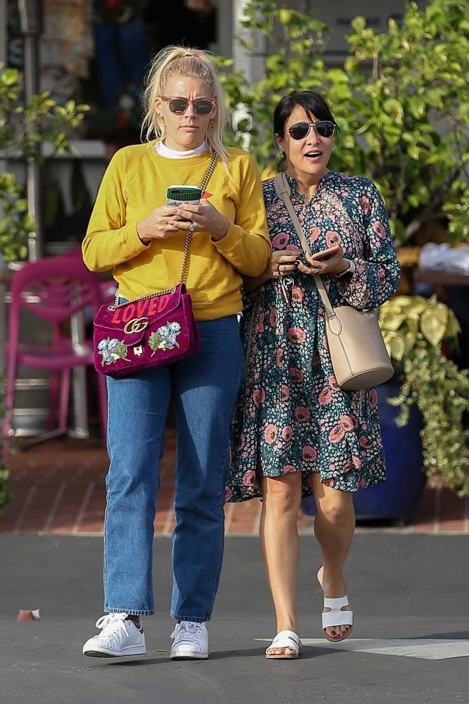 Busy Philipps Leaves Fred Segal in West Hollywood-1