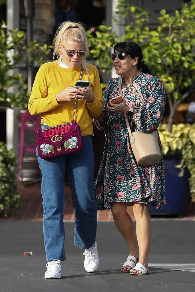 Busy Philipps Leaves Fred Segal in West Hollywood-2