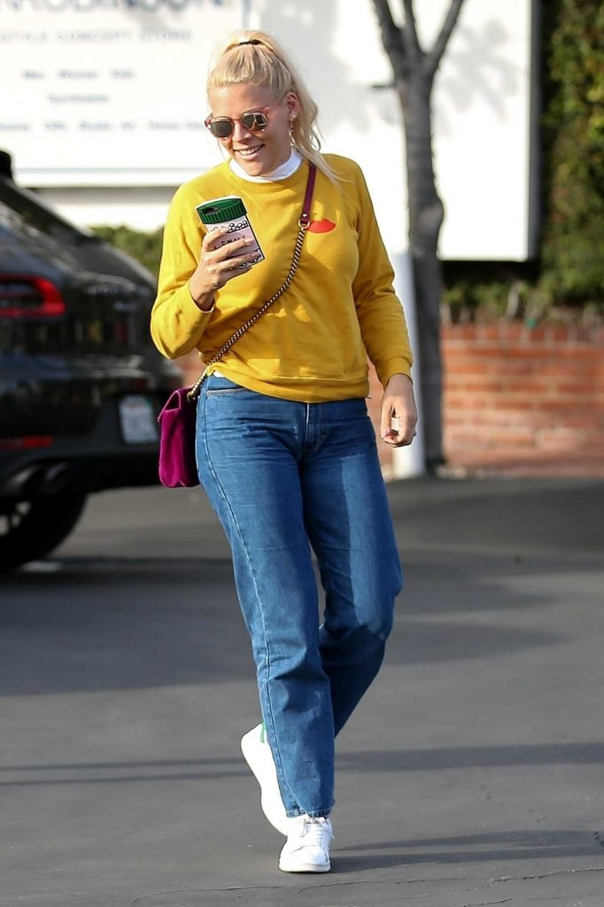 Busy Philipps Leaves Fred Segal in West Hollywood-4