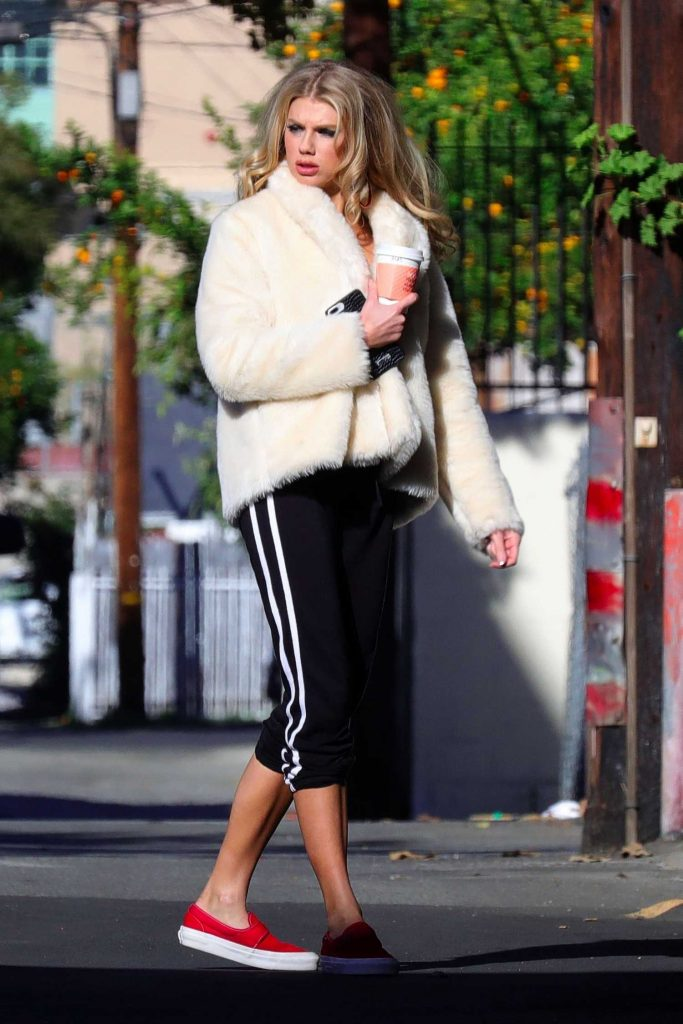 Charlotte McKinney Was Spotted Out in Los Angeles-2
