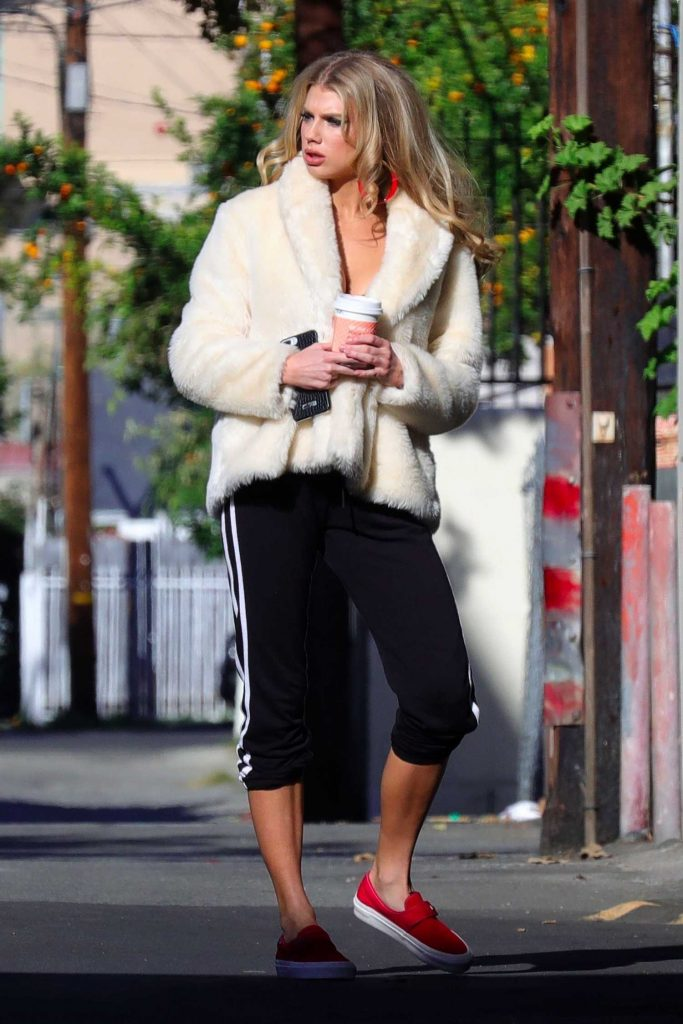 Charlotte McKinney Was Spotted Out in Los Angeles-3