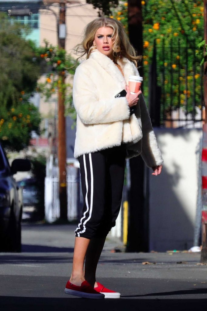 Charlotte McKinney Was Spotted Out in Los Angeles-5