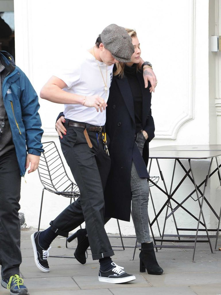 Chloe Moretz Was Spotted with Brooklyn Beckham in Notting Hill-4