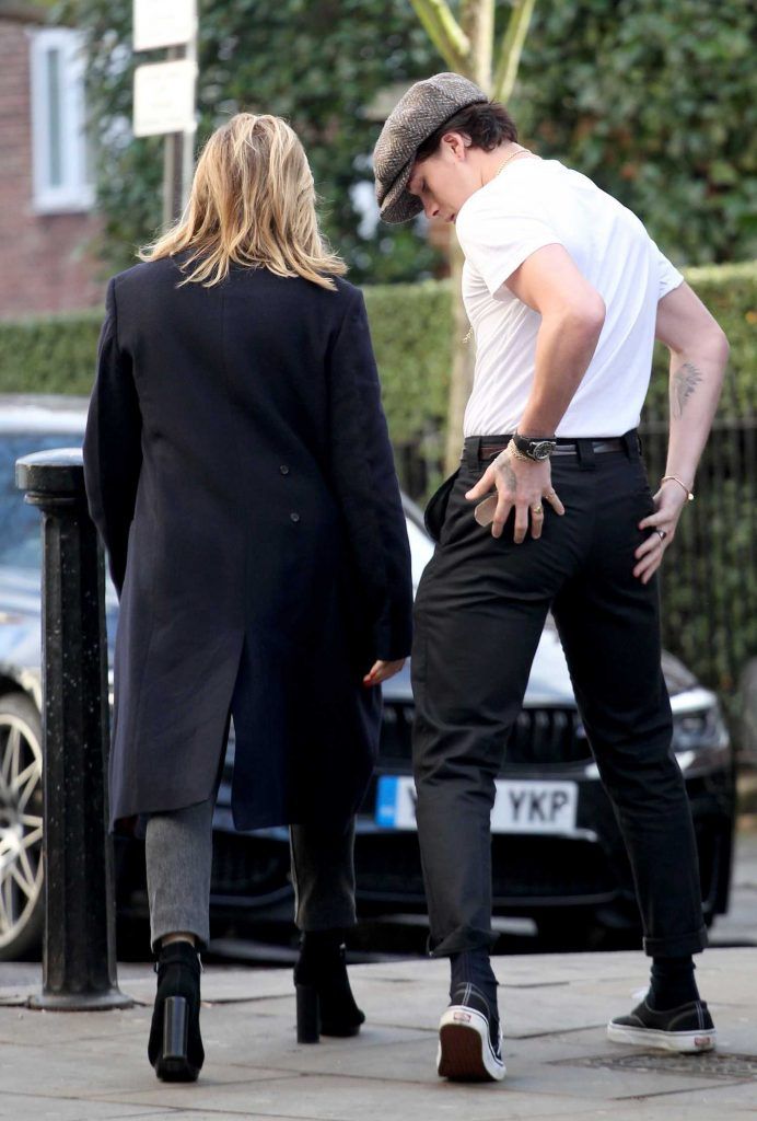 Chloe Moretz Was Spotted with Brooklyn Beckham in Notting Hill-5