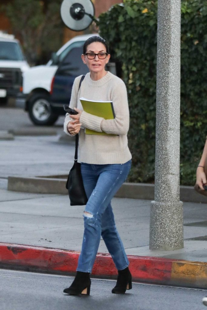 Courteney Cox Leaves a Beauty Spa in Beverly Hills-1