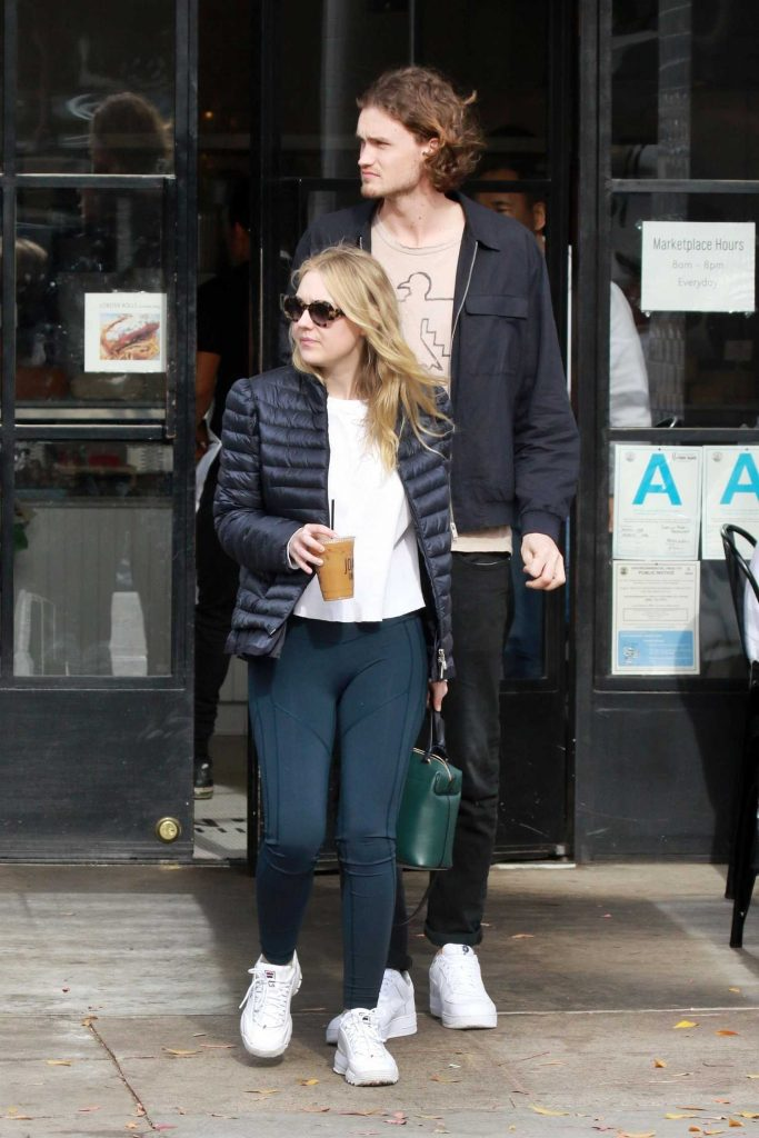 Dakota Fanning Out for lunch with Henry Frye at Joan's on Third in Studio City-2