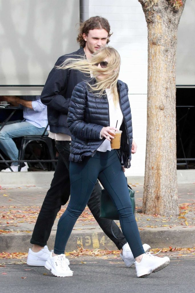 Dakota Fanning Out for lunch with Henry Frye at Joan's on Third in Studio City-4
