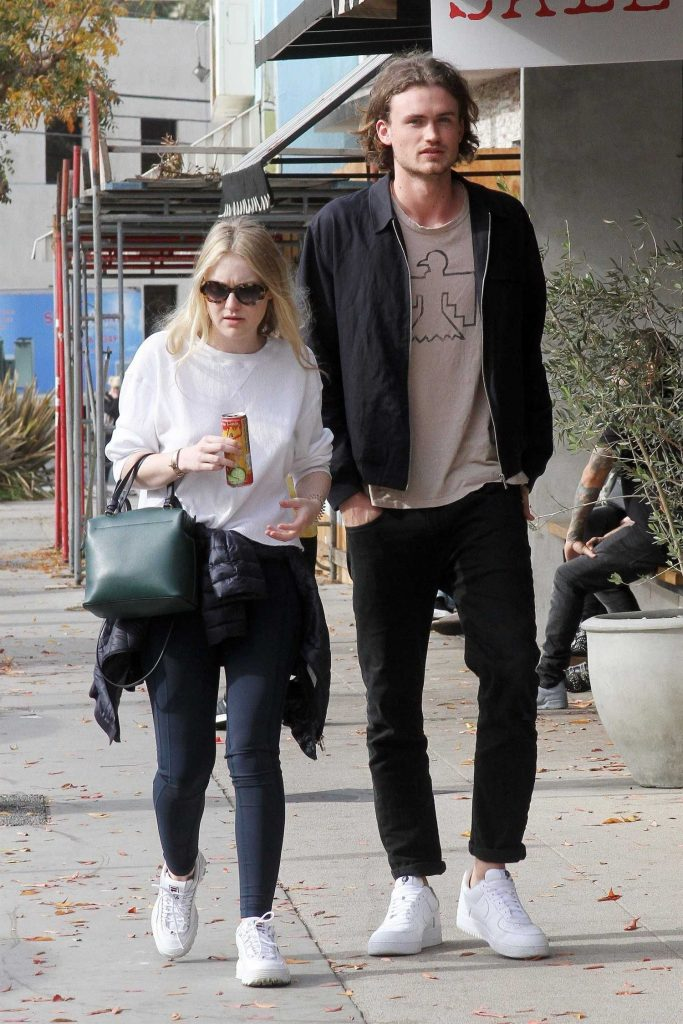 Dakota Fanning Out for lunch with Henry Frye at Joan's on Third in Studio City-5