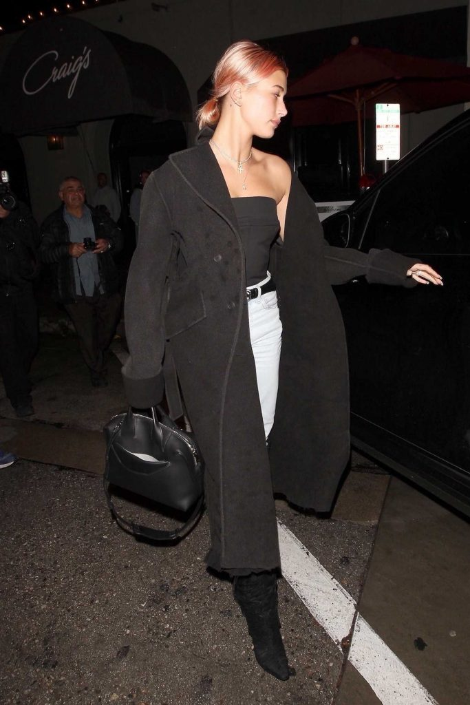 Hailey Baldwin Leaves Craigs Restaurant in West Hollywood-4