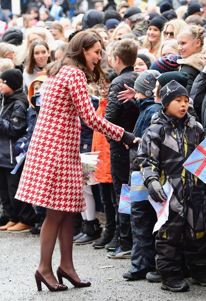 Kate Middleton Visits Matteusskolan School in Stockholm-2