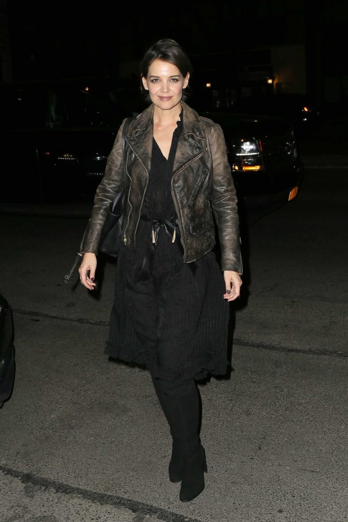 Katie Holmes Arrives at the Bowery Hotel in New York-2