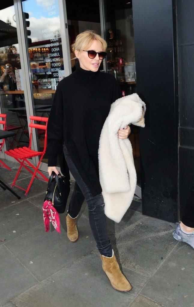Kylie Minogue Does a Shopping Trip in London-1