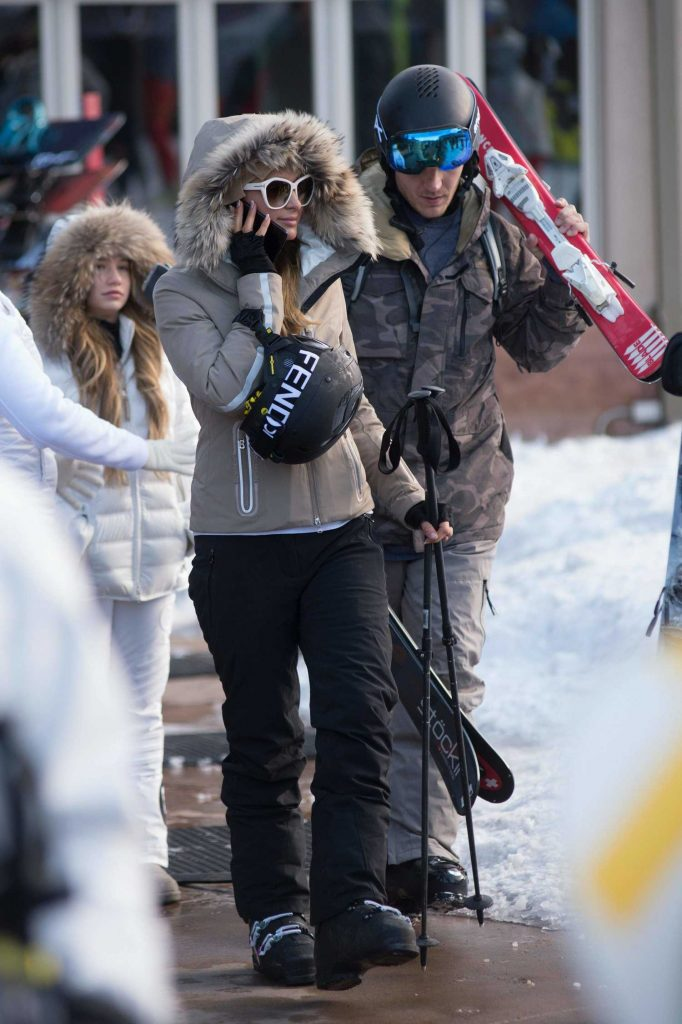 Paris Hilton Was Spotted with Her Boyfriend Out in Aspen-2