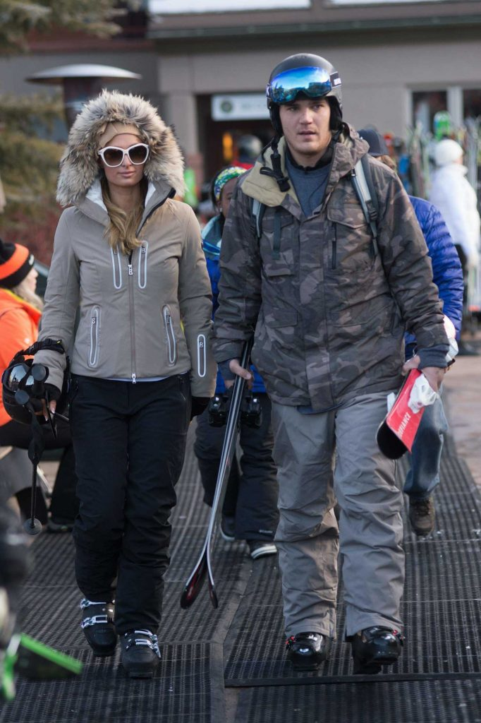 Paris Hilton Was Spotted with Her Boyfriend Out in Aspen-3