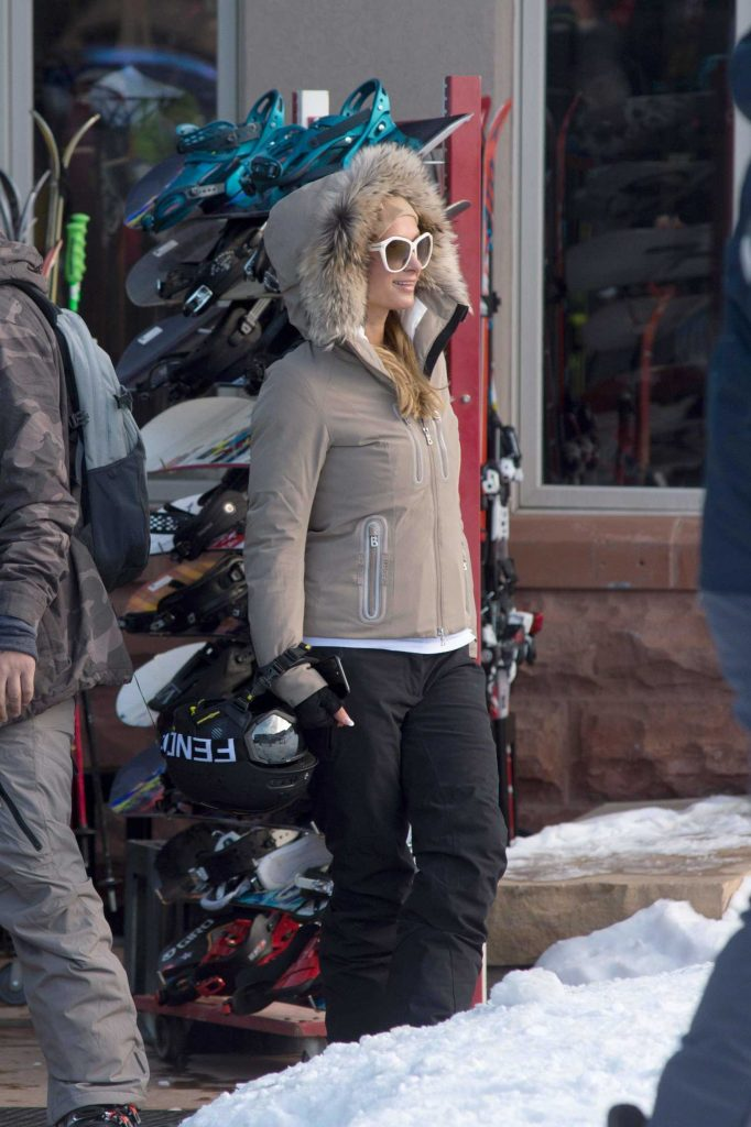 Paris Hilton Was Spotted with Her Boyfriend Out in Aspen-4