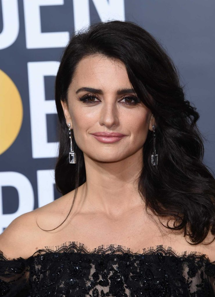 Penelope Cruz at the 75th Annual Golden Globe Awards in Beverly Hills-5