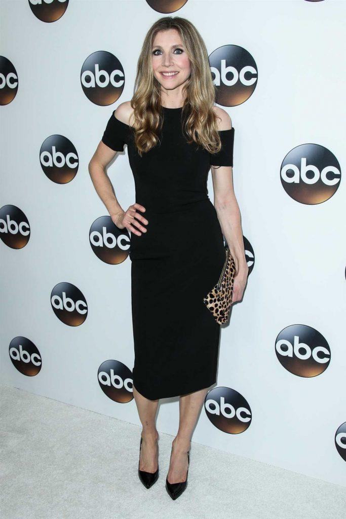 Sarah Chalke at Disney ABC TCA Winter Press Tour in Pasadena-1