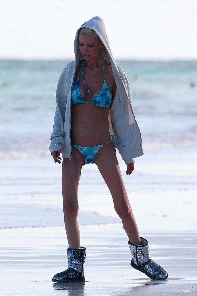 Tara Reid in Bikini at the Beach in Mexico-2