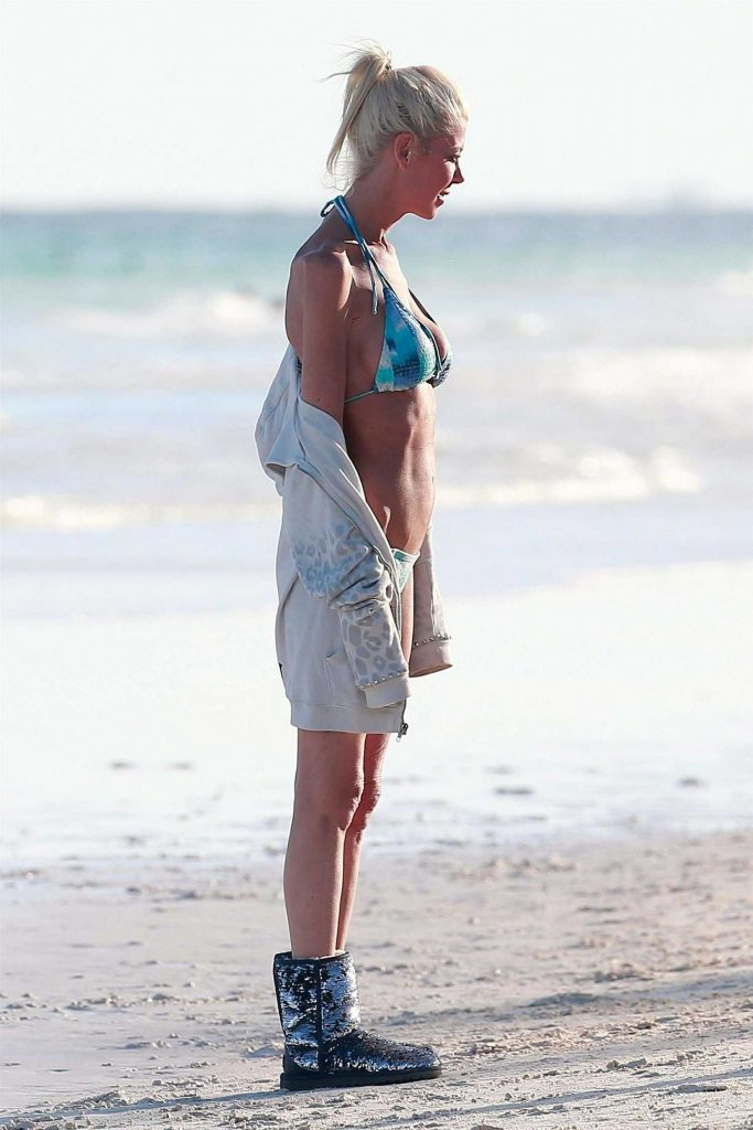 Tara Reid in Bikini at the Beach in Mexico-3
