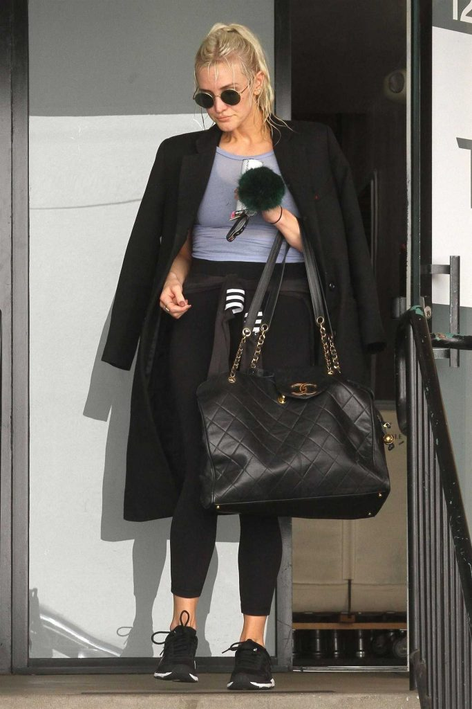 Ashlee Simpson Hits the Gym in LA-1
