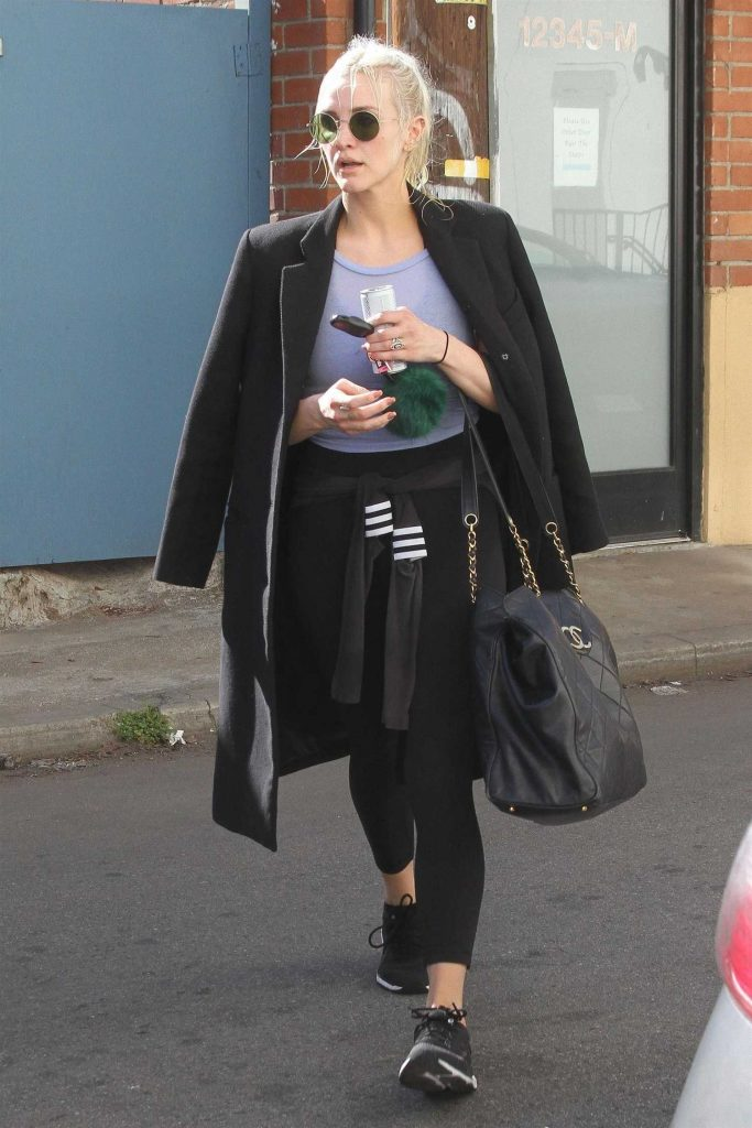 Ashlee Simpson Hits the Gym in LA-2