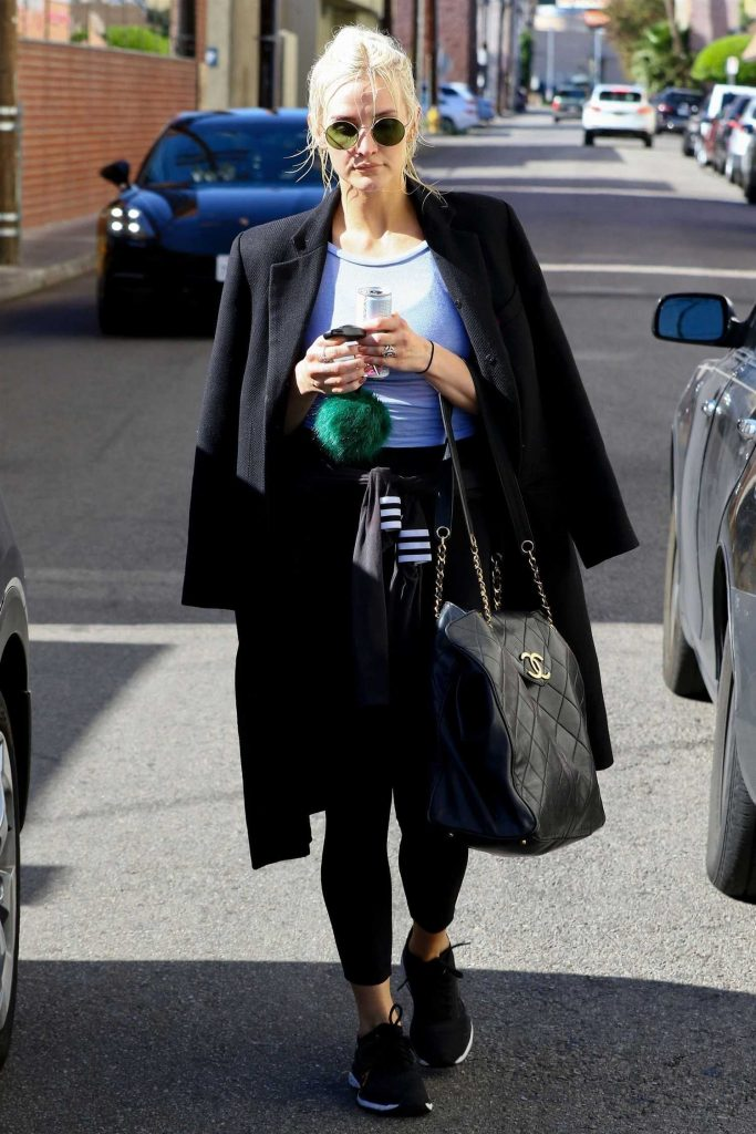 Ashlee Simpson Hits the Gym in LA-4