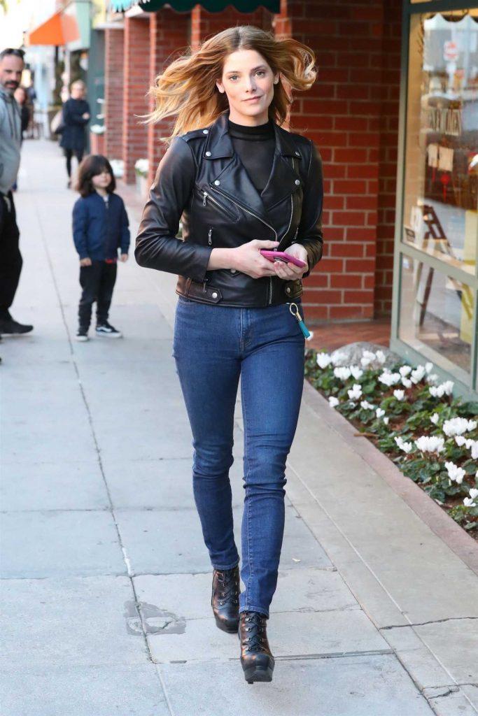 Ashley Greene Grabs Lunch at Judi's Deli in Beverly Hills-2