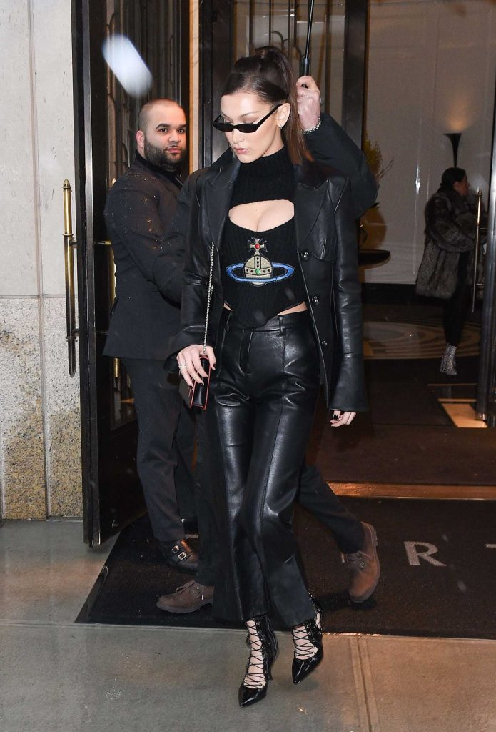 Bella Hadid Leaves Her Apartment in New York-3