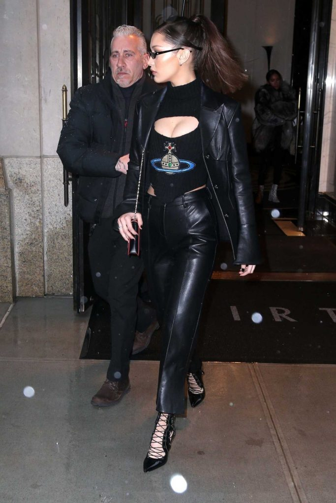 Bella Hadid Leaves Her Apartment in New York-4