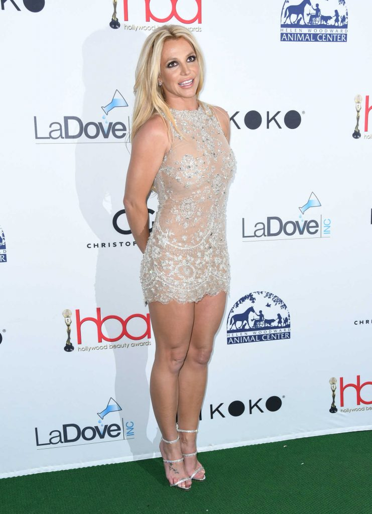 Britney Spears at Hollywood Beauty Awards in Los Angeles-4