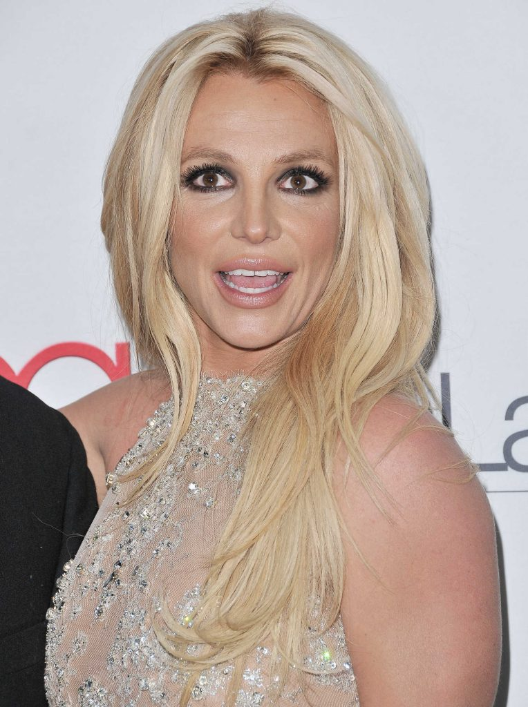 Britney Spears at Hollywood Beauty Awards in Los Angeles-5