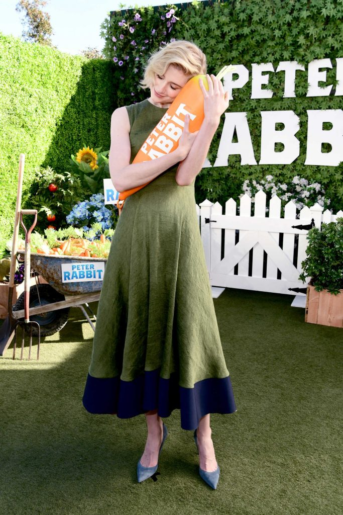 Elizabeth Debicki at Peter Rabbit Photocall in West Hollywood-3